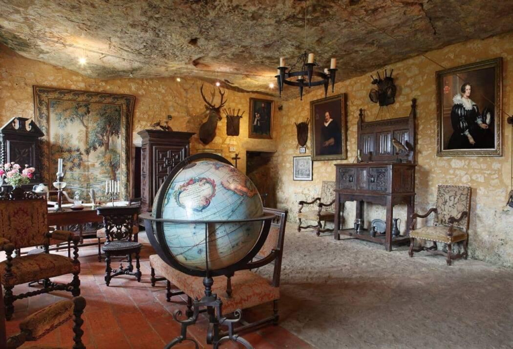 Maison Forte de Reignac  Tursac  Vallée de la Vézère  Perigord.com